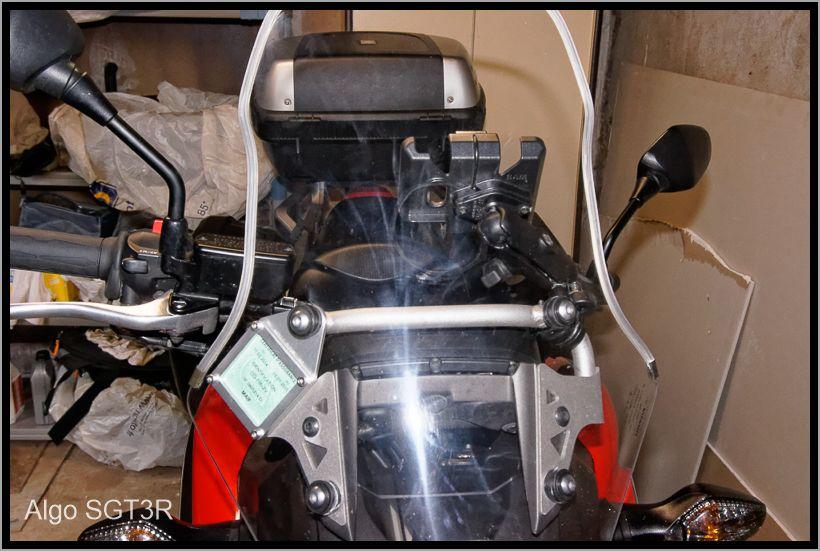 Installation du porte vignette et d'une fixation Ram-mount pour mes GPS. 52fcf695c7de6