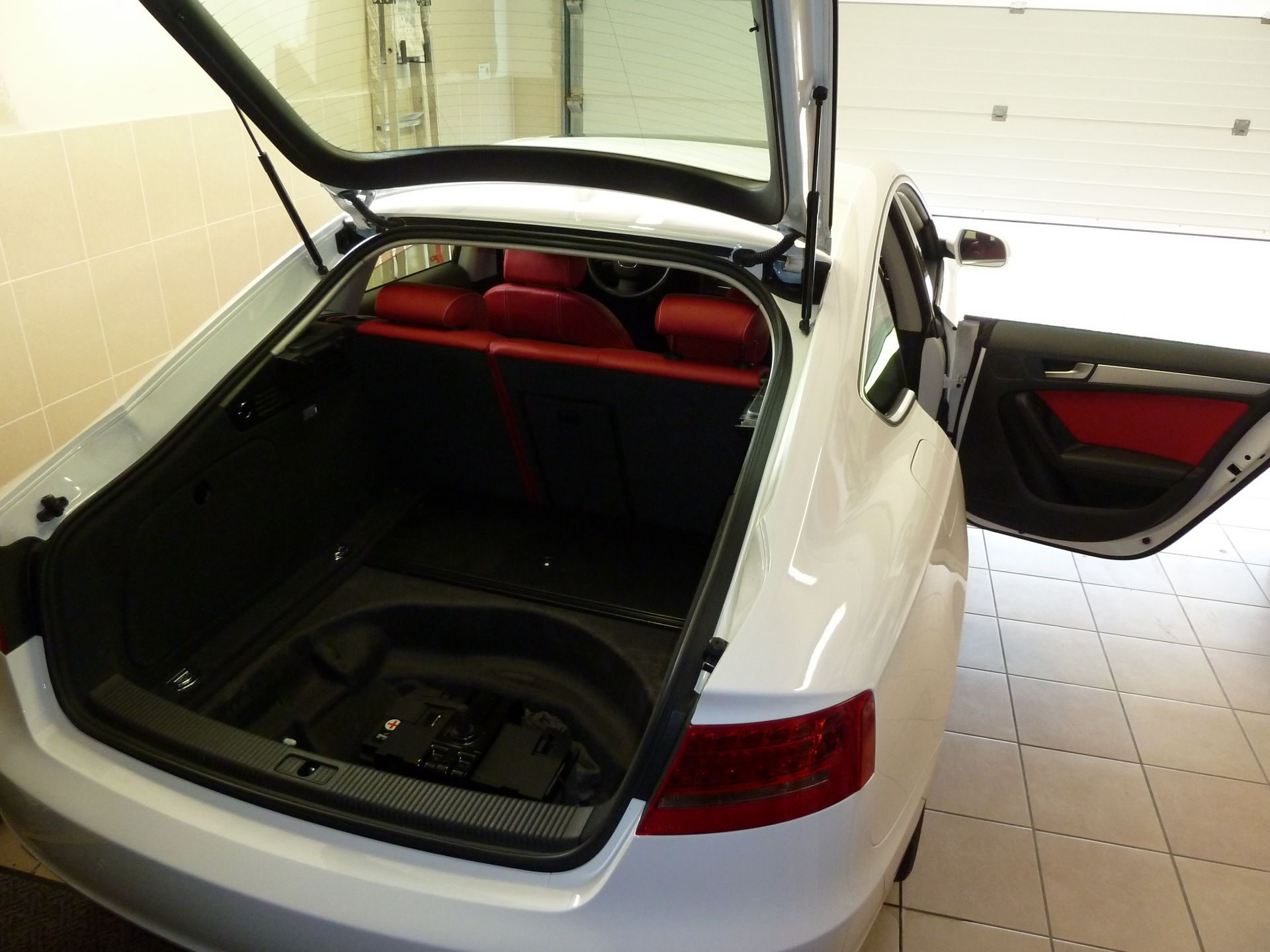 roue de secours audi a5 sportback voiture galerie. Black Bedroom Furniture Sets. Home Design Ideas
