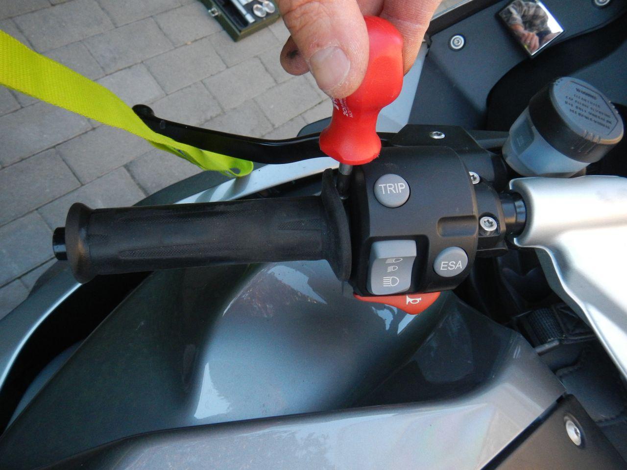 Tuto - réparation poignée chauffante HS - K1200S 560d75b5b63b9