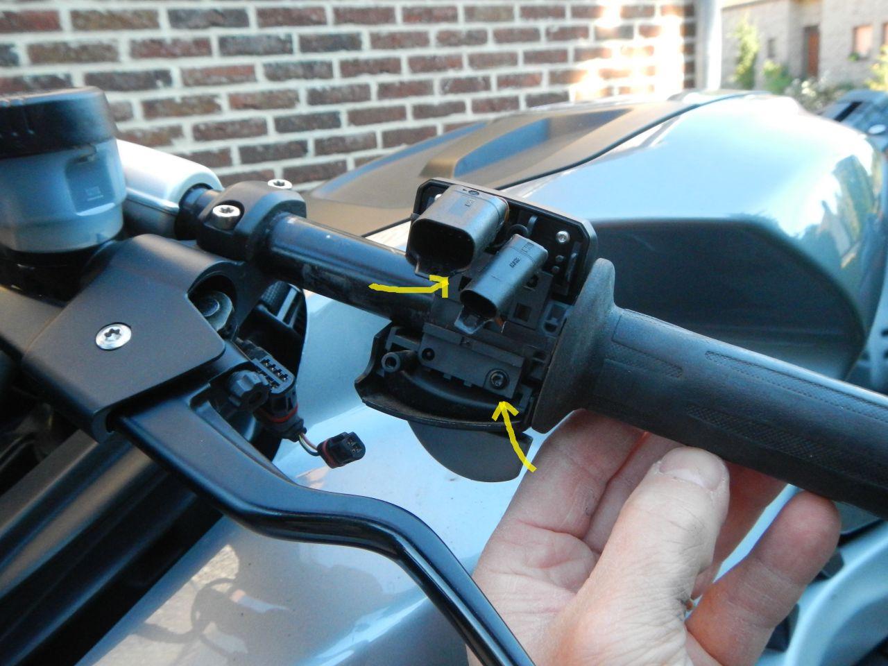 Tuto - réparation poignée chauffante HS - K1200S 560d7abacaaf1