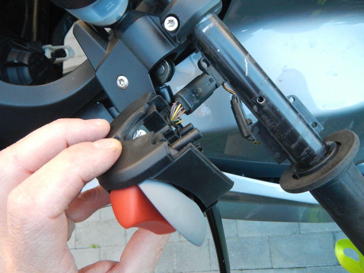 Tuto - réparation poignée chauffante HS - K1200S 560d7b79972b0