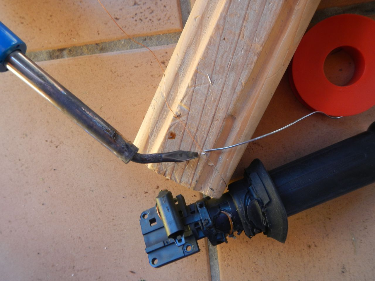 Tuto - réparation poignée chauffante HS - K1200S 560d7fea39268