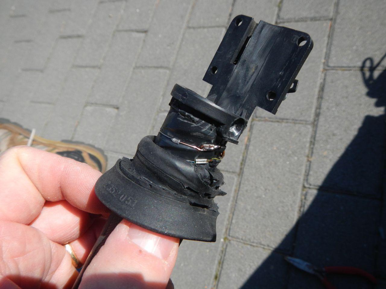 Tuto - réparation poignée chauffante HS - K1200S 560d8098121e7