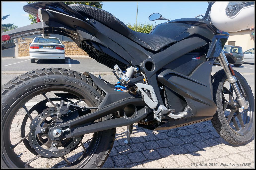 Algo essaie la Zero Motorcycles DSR 5789130f4b4db