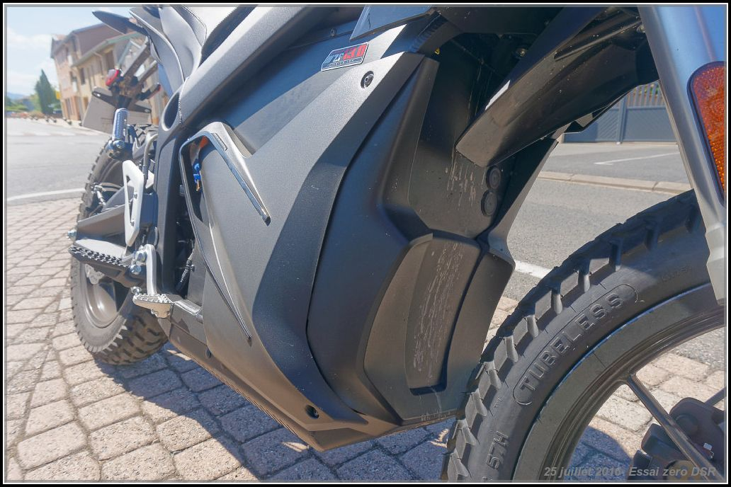 Algo essaie la Zero Motorcycles DSR 578913cea8a21