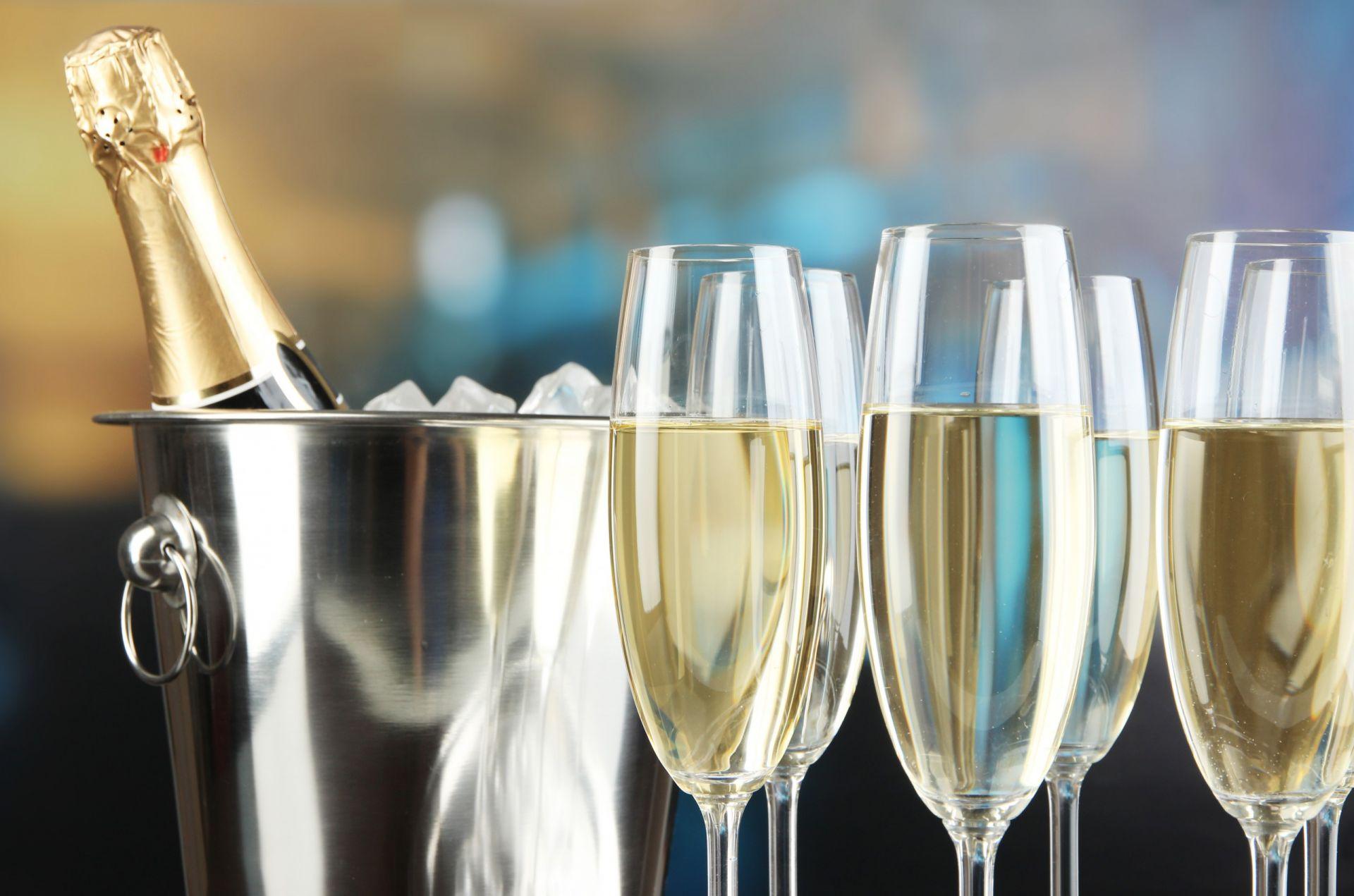 Champagne qui mousse trop