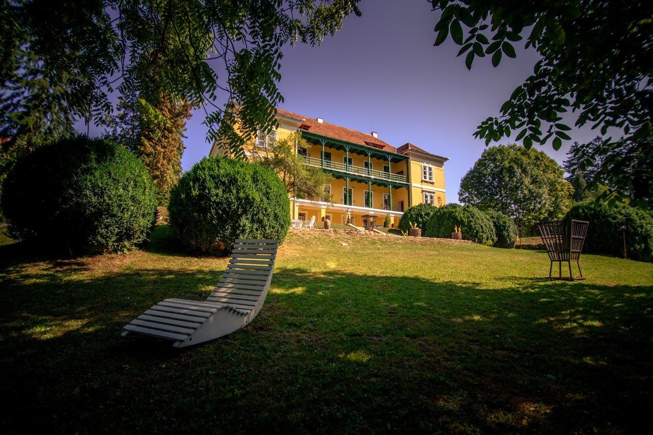 Escapadă romantică într-un castel din Transilvania