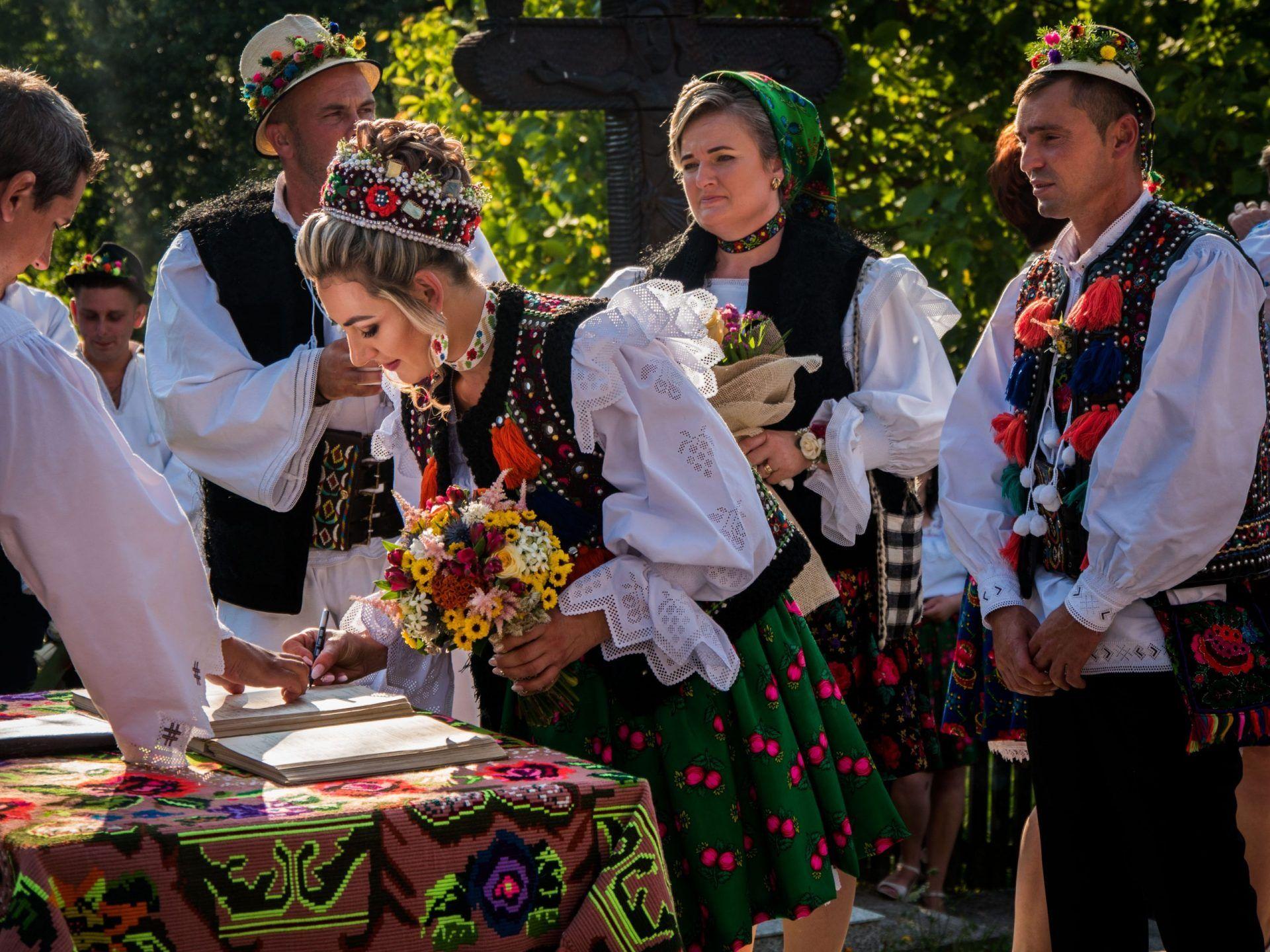 Vacanță cu familia în Maramureș și Bucovina: gustul vieții la țară!