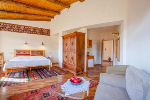 Hotel tradițional*** (Goris)