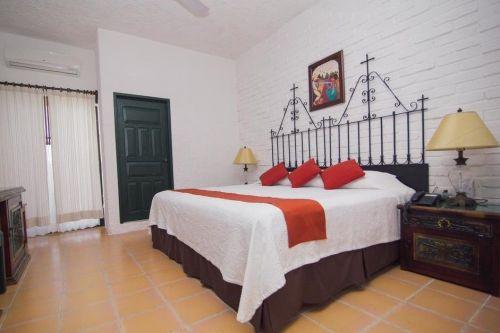 Hotel colonial in centrul orașului Valladolid *****
