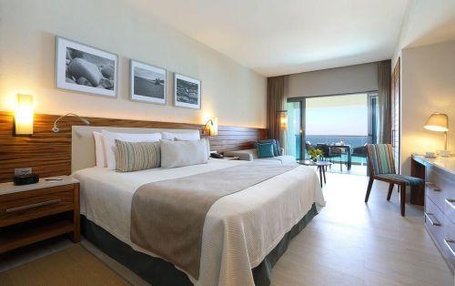 Hotel superior pe plajă ****